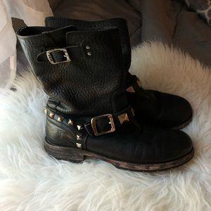 Frye black boots sz 8